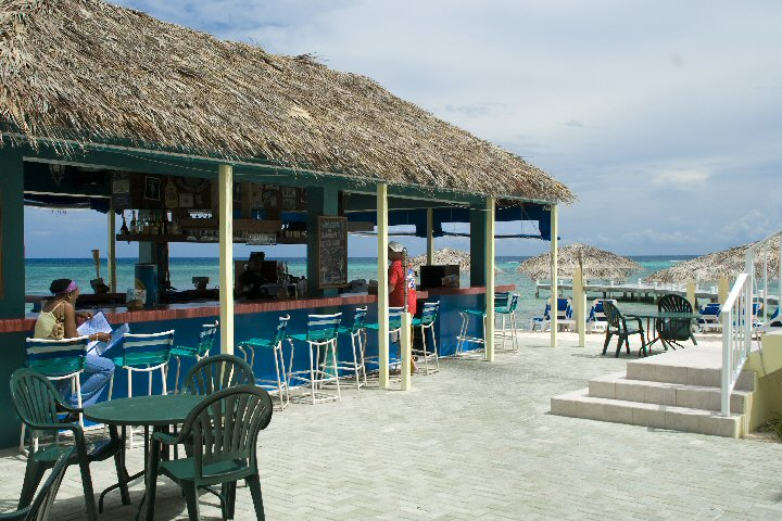 Cruiseportinsider Cayman Islands Excursions An Island Tour Restaurants On 7 Mile Beach Best